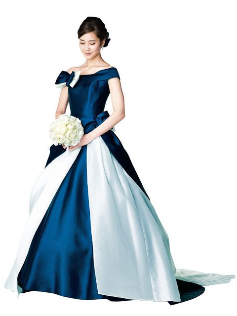 Clothing, Dress, Sleeve, Shoulder, Textile, Standing, Gown, Formal wear, Style, One-piece garment,