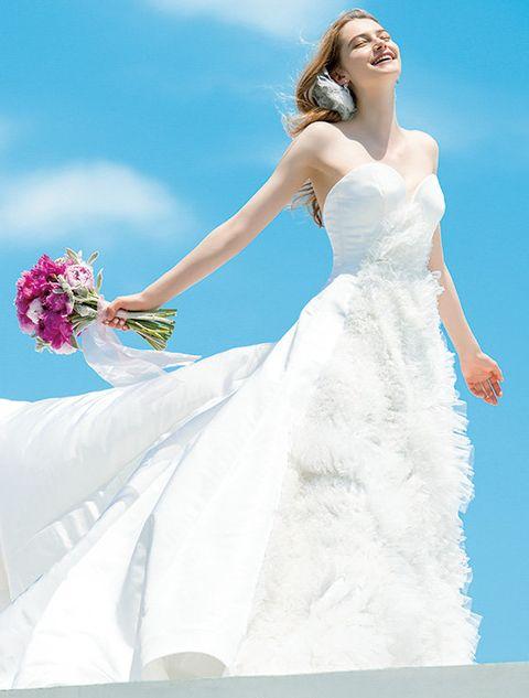 Gown, Wedding dress, Dress, Clothing, Bride, Bridal clothing, Bridal party dress, Fashion model, Photograph, Shoulder,
