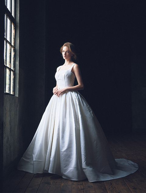 Gown, Wedding dress, Clothing, Dress, Bridal party dress, Bridal clothing, Fashion model, Bride, Photograph, Shoulder,