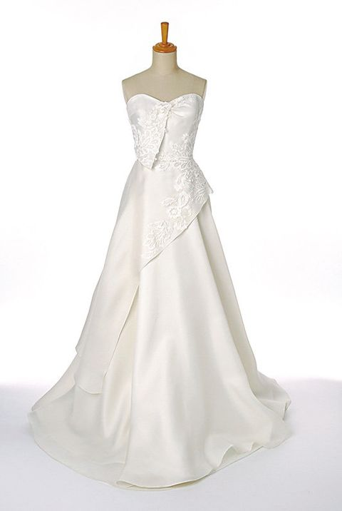 Gown, Clothing, Dress, Wedding dress, Bridal party dress, Bridal clothing, Shoulder, A-line, Bridal accessory, Fashion model,