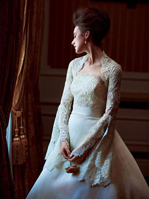 Wedding dress, Gown, Clothing, Dress, Bride, Bridal clothing, Shoulder, Bridal accessory, Bridal party dress, Beauty,