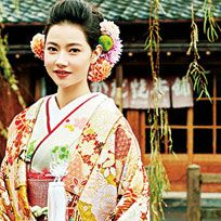 Hair, Kimono, Hairstyle, Shimada, Costume, Tradition, Taiwanese opera, Temple, Sakko, Leisure,