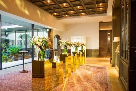 Lobby, Building, Property, Floor, Interior design, Room, Ceiling, Flooring, Real estate, Architecture,