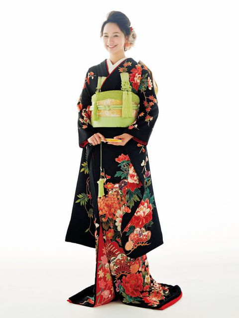 Sleeve, Textile, Fashion, Pattern, Jewellery, One-piece garment, Day dress, Street fashion, Costume, Kimono,