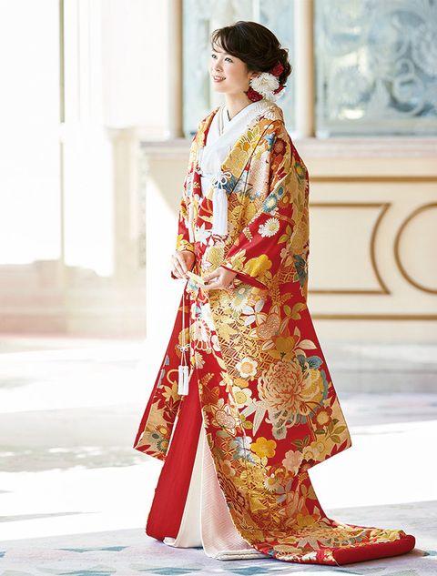 Clothing, Fashion model, Formal wear, Costume, Dress, Fashion, Sari, Textile, Fashion design, Kimono,