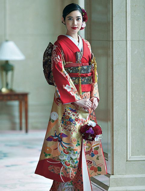 Clothing, Kimono, Costume, Hairstyle, Fashion, Shimada, Tradition, Textile, Sakko, Fashion design,