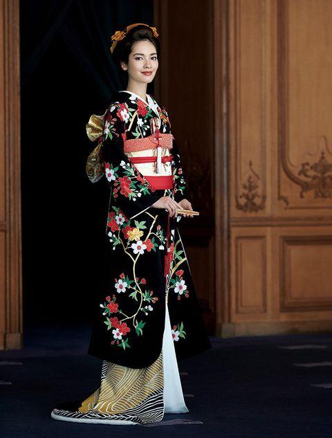 Clothing, Kimono, Costume, Fashion, Hairstyle, Dress, Fashion model, Tradition, Fashion design, Haute couture,