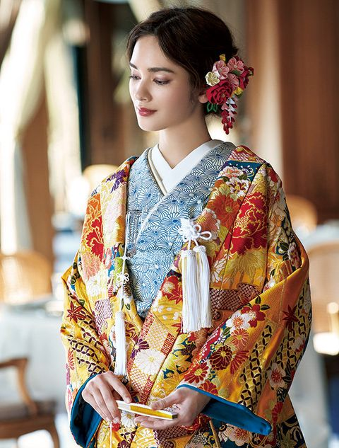 Clothing, Hairstyle, Textile, Tradition, Costume, Kimono, Formal wear, Fashion accessory, Neck, Fashion design,