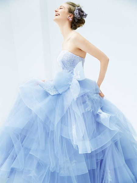Clothing, Blue, Hairstyle, Sleeve, Shoulder, Dress, Joint, Formal wear, Style, Gown,