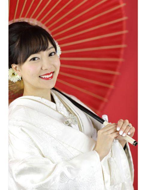 Hair, Hairstyle, Beauty, Kimono, Costume, Smile, Shimada, Fashion accessory,