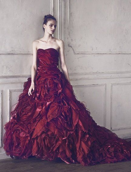 Gown, Clothing, Dress, Fashion model, Bridal party dress, Shoulder, Strapless dress, Wedding dress, Haute couture, A-line,