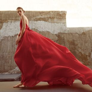 Textile, Red, Dress, Formal wear, Gown, Maroon, Waist, Costume, One-piece garment, Trunk,