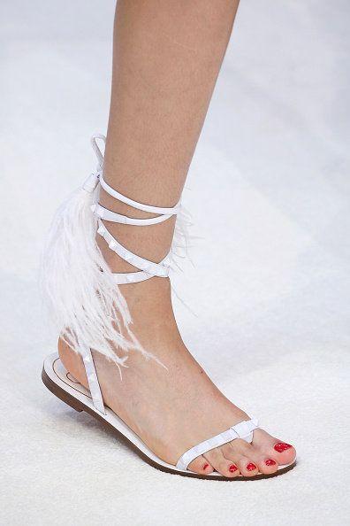 Footwear, White, Shoe, Sandal, Ankle, Leg, Fashion, Human leg, Joint, Beige,