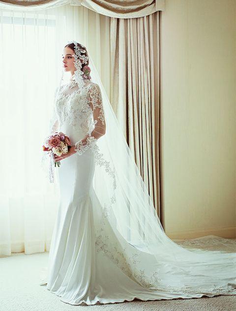 Clothing, Bridal clothing, Shoulder, Dress, Textile, Photograph, Bridal veil, Wedding dress, White, Veil,