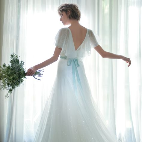 Gown, Dress, Wedding dress, Clothing, Bridal party dress, White, Bridal clothing, Bride, Photograph, Shoulder,