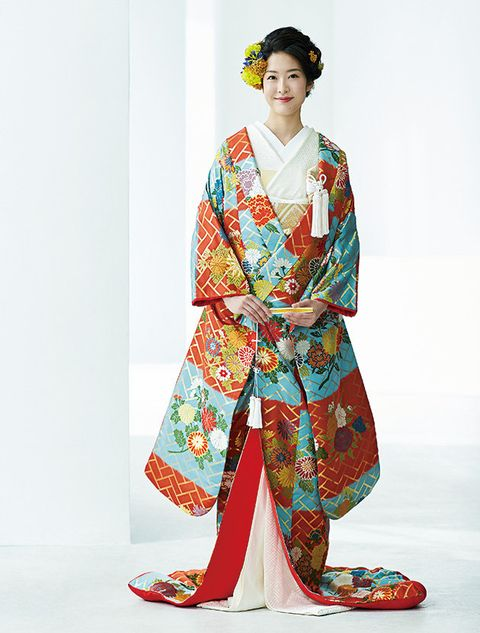 Clothing, Kimono, Costume, Shimada, Textile, Dress, Sleeve, Fashion model,