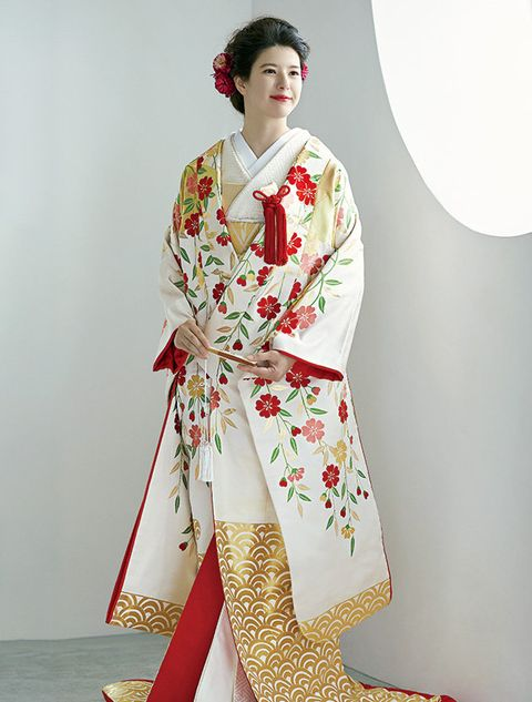 Clothing, Costume, Kimono, Formal wear, Tradition, Dress, Fashion model, Textile, Fashion design, Silk,