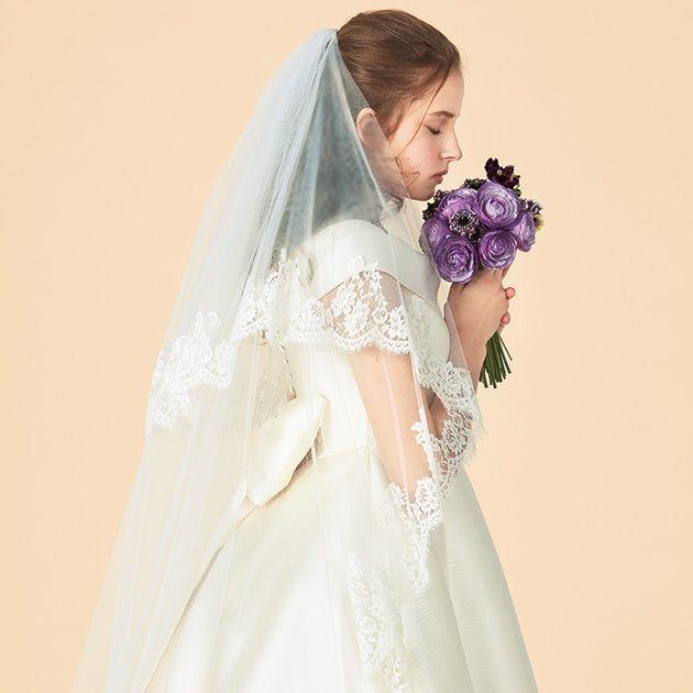 Clothing, Bridal veil, Sleeve, Dress, Veil, Bridal clothing, Textile, Photograph, Wedding dress, Bride,