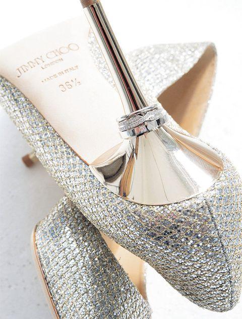 Footwear, Shoe, Silver, Glitter, Ballet flat, Beige, Mary jane, Court shoe, High heels, Fashion accessory,