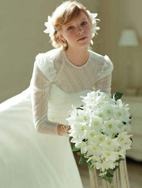 Bouquet, White, Flower, Cut flowers, Plant, Floristry, Dress, Flower Arranging, Bride, Wedding dress,