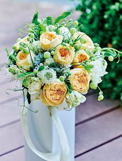 Flower, Bouquet, Floristry, Flower Arranging, Cut flowers, Plant, Rose, Garden roses, Floral design, Yellow,