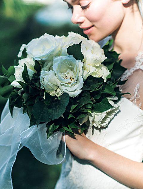Petal, Flower, Bouquet, Dress, Cut flowers, Flowering plant, Beauty, People in nature, Rose family, Earrings,