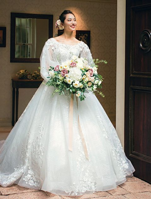 Gown, Wedding dress, Bride, Dress, Clothing, Bridal clothing, Photograph, Shoulder, Bridal party dress, Bridal accessory,