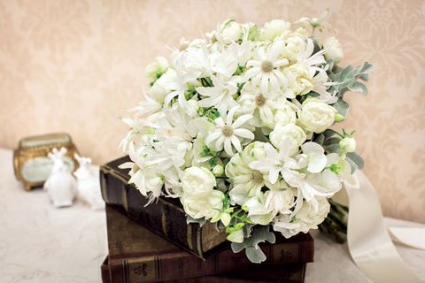Flower, Bouquet, White, Cut flowers, Plant, Floristry, Flower Arranging, Petal, Artificial flower, Floral design,