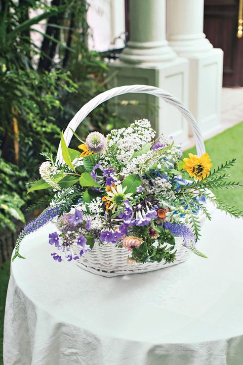 Flower, Flower Arranging, Floristry, Bouquet, Floral design, Cut flowers, Plant, Wedding ceremony supply, Lavender, Wildflower,