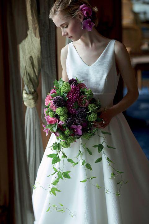 Petal, Shoulder, Dress, Textile, Bouquet, Flower, Bridal clothing, Pink, Cut flowers, Gown,