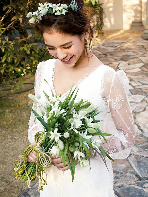 Clothing, Petal, Bouquet, Flower, Photograph, Bridal clothing, White, Bride, Wedding dress, Floristry,