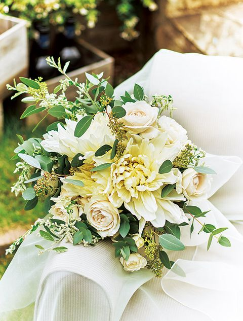 Flower, Bouquet, Flower Arranging, Cut flowers, Floristry, Plant, Floral design, Yellow, Rose, Centrepiece,