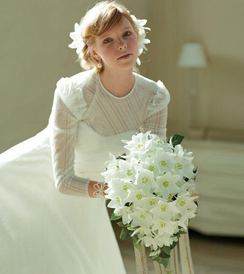 Bouquet, White, Flower, Cut flowers, Dress, Plant, Floristry, Flower Arranging, Bride, Gown,