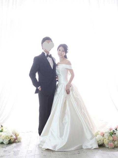 Gown, Bride, Wedding dress, Photograph, Dress, White, Bridal clothing, Clothing, Formal wear, Wedding,