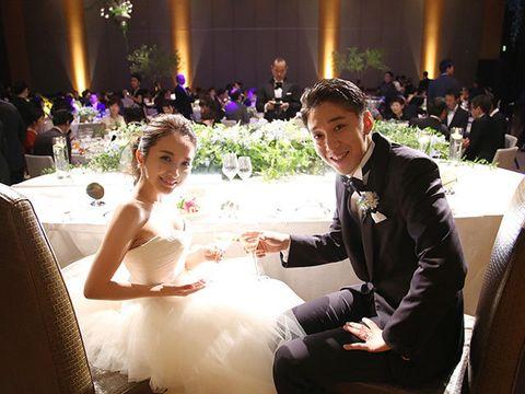 Lighting, Event, Bridal clothing, Photograph, Coat, Happy, Wedding dress, Bouquet, Formal wear, Suit,
