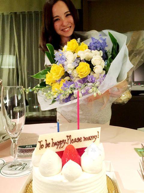 Bouquet, Petal, Flower, Dessert, Serveware, Glass, Drinkware, Stemware, Cut flowers, Sweetness,