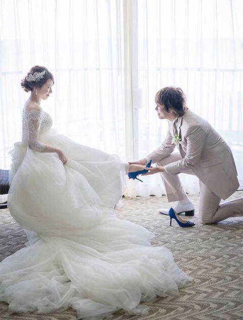 Bridal clothing, Textile, Dress, Photograph, Gown, Wedding dress, Bride, Bridal accessory, Formal wear, Bridal party dress,