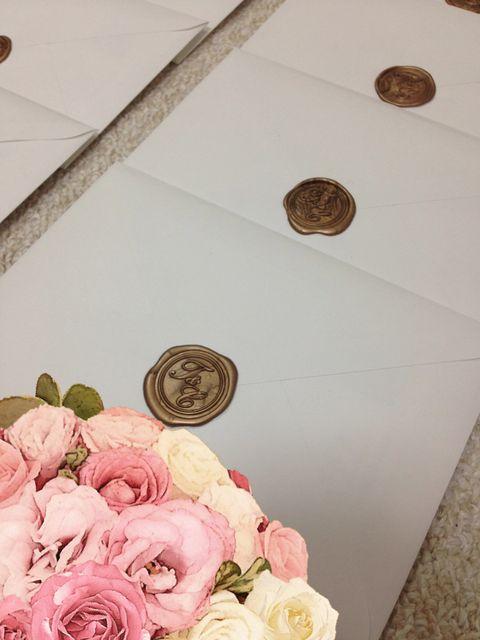 Pink, Flower, Ceiling, Garden roses, Cut flowers, Petal, Plant, Rose, Floral design, Bouquet,