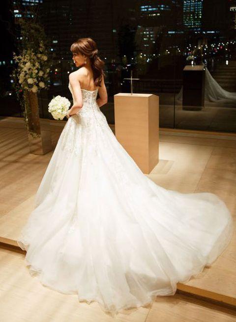 Gown, Wedding dress, Dress, Bride, Clothing, Bridal clothing, Bridal party dress, Shoulder, Fashion model, Bridal accessory,