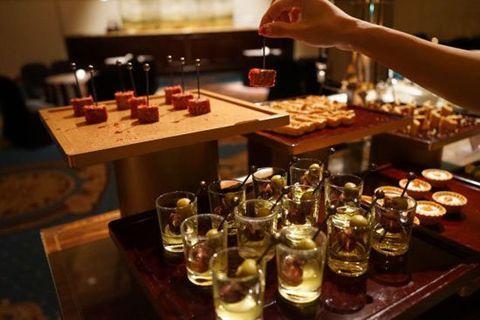 Drink, Alcoholic beverage, Alcohol, Distilled beverage, Bar, Beer, Liqueur, Whisky, Food, Cuisine,