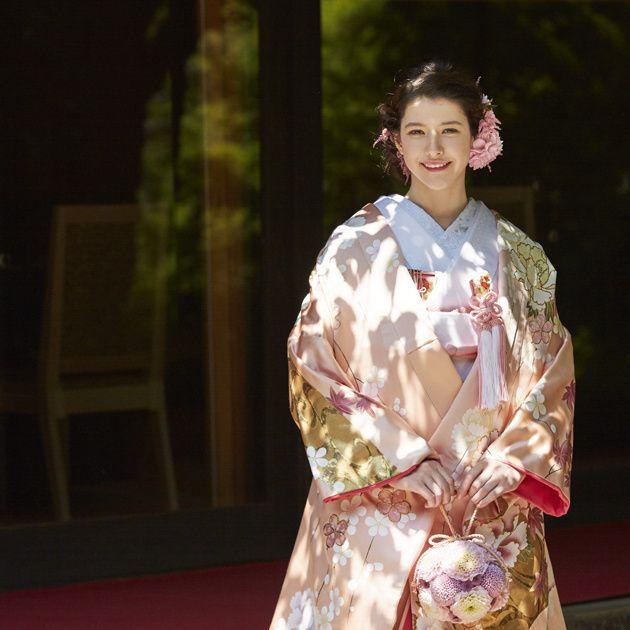 Kimono, Clothing, Costume, Fashion, Fashion design, Outerwear, Dress, Tradition, Robe,