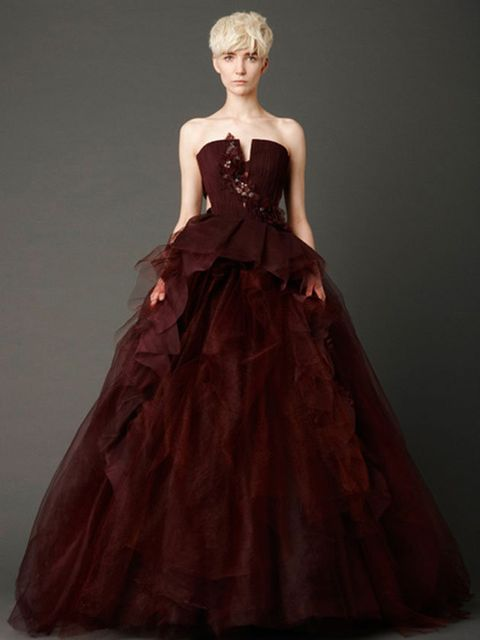 Gown, Clothing, Dress, Fashion model, Bridal party dress, Strapless dress, Wedding dress, Fashion, A-line, Formal wear,