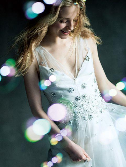 Green, Beauty, Dress, Blond, Fashion, Photography, Performance, Long hair, Headpiece, Costume,