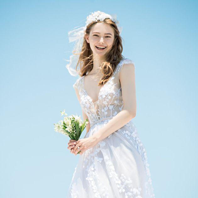 Gown, Wedding dress, Dress, Clothing, Bride, Bridal clothing, Bridal party dress, Photograph, White, Shoulder,