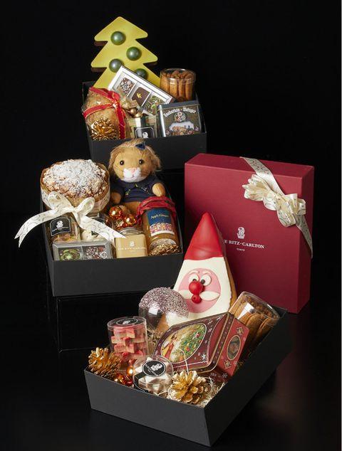 Present, Basket, Hamper, Gift basket, Home accessories, Mishloach manot, Food, Food storage,