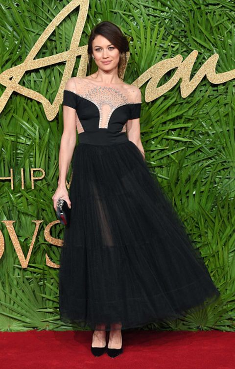 Red carpet, Dress, Clothing, Carpet, Gown, Green, Flooring, Fashion, Strapless dress, A-line,