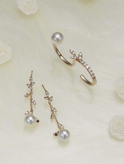Body jewelry, Jewellery, Pearl, Earrings, Fashion accessory, Ear, Gemstone, Silver, Silver, Jewelry making,