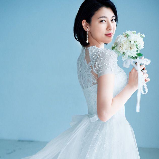 Wedding dress, Gown, Dress, Clothing, Bride, White, Shoulder, Bridal clothing, Bridal party dress, Beauty,