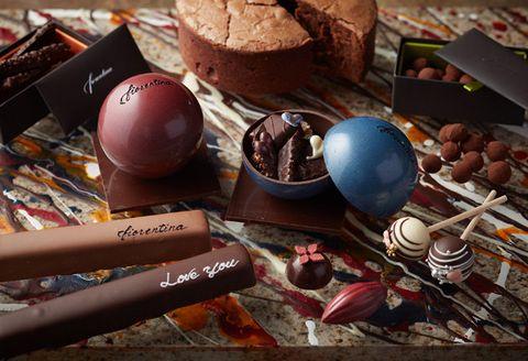 Chocolate, Food, Praline, Chocolate truffle, Sweetness, Cuisine, Confectionery, Bonbon, Still life photography, Dessert,