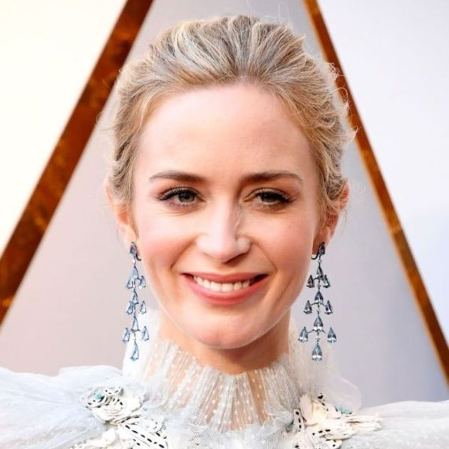 Hair, Face, Hairstyle, Eyebrow, Skin, Beauty, Bride, Blond, Dress, Smile,